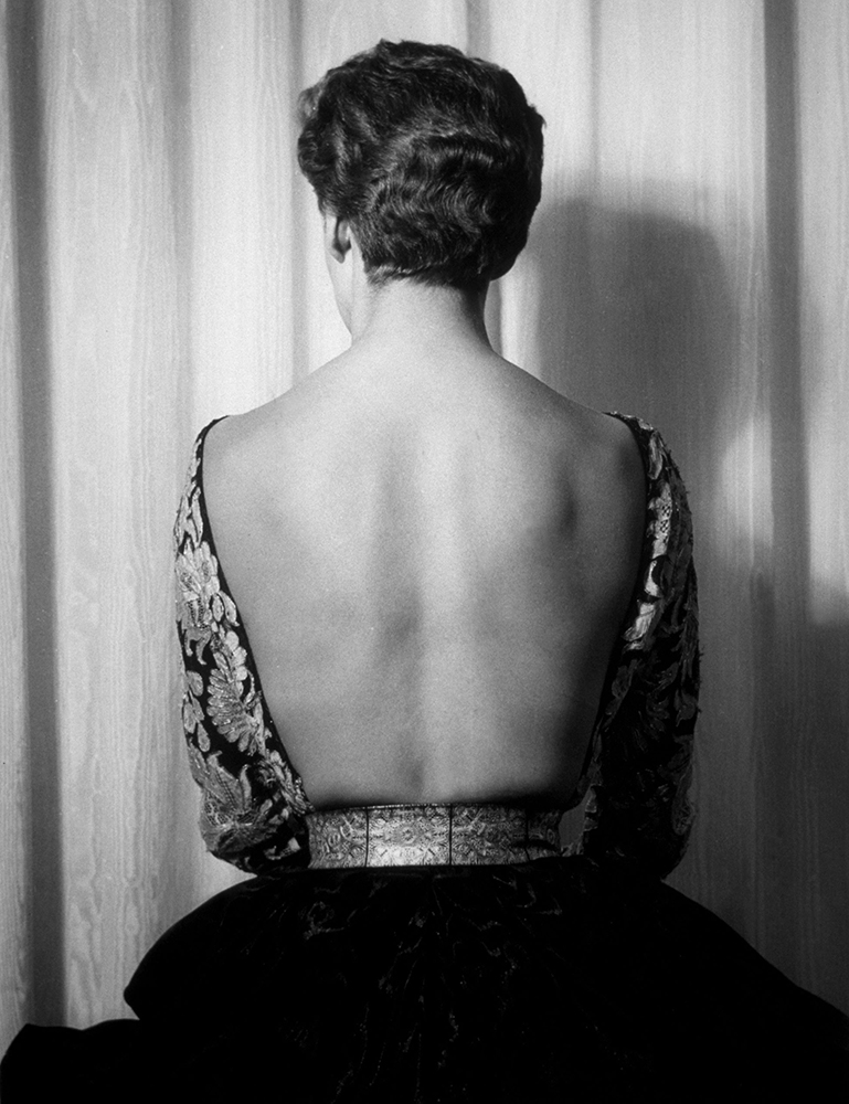 Backless Fashion from 1940s – Highlights fine art photography