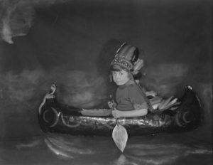 Paddling Toy Canoe