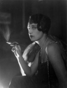Smoking Glamour