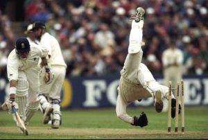 Mark BOucher of South Africa and Alec Stewart of England