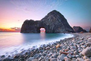Rock gate
